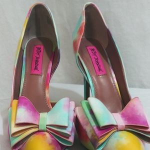 NWOT Betsey Johnson tie die Shoes